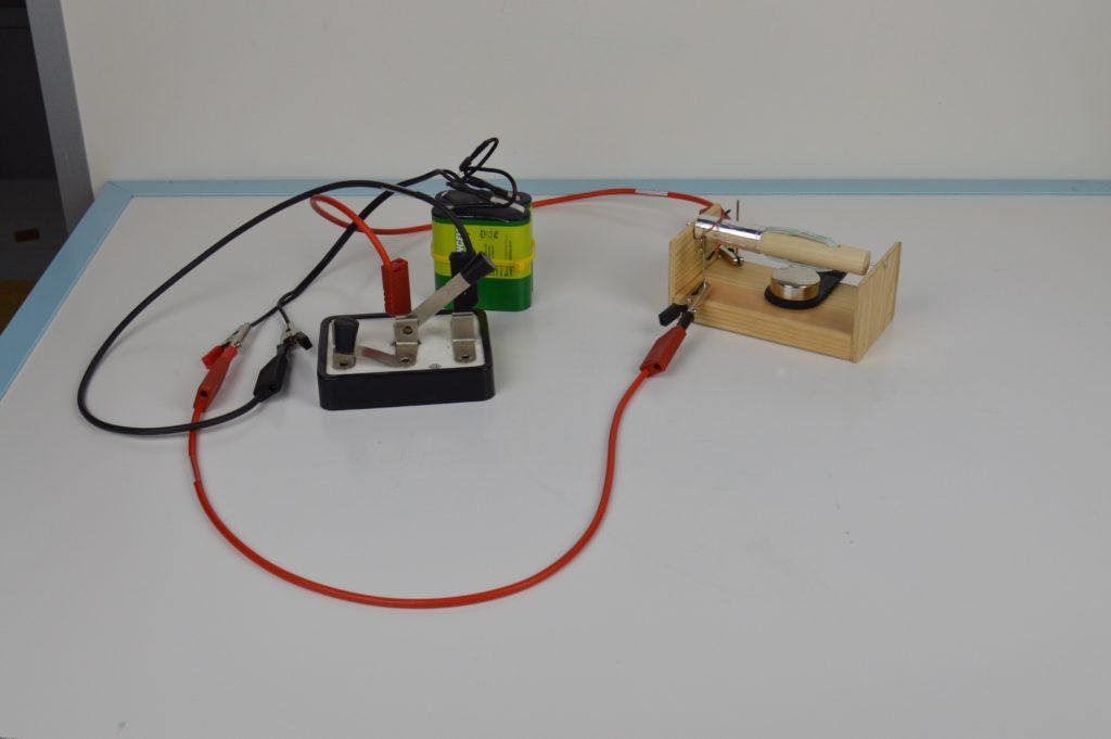 Stejnosměrný motor s komutátorem