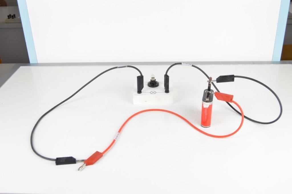 Elektrická vodivost kapalin