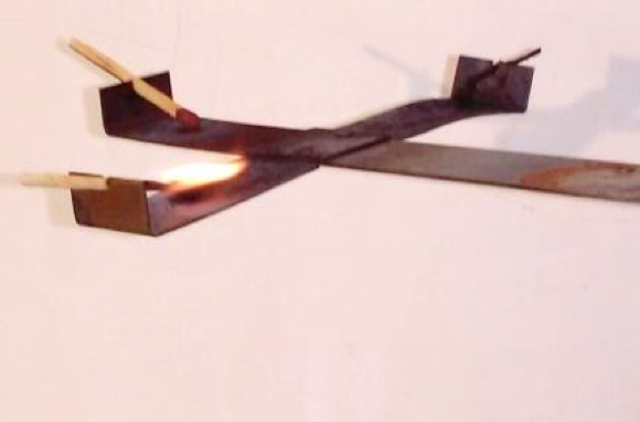 Kovový kříž – tepelná kondukce kovů