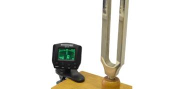 Ladička na rezonanční skříňce s přívažkem